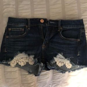size 6 American Eagle denim shorts with crochet